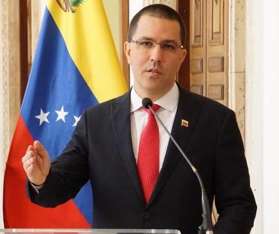 Canciller venezolano repudia falsas noticias sobre el país en medios internacionales