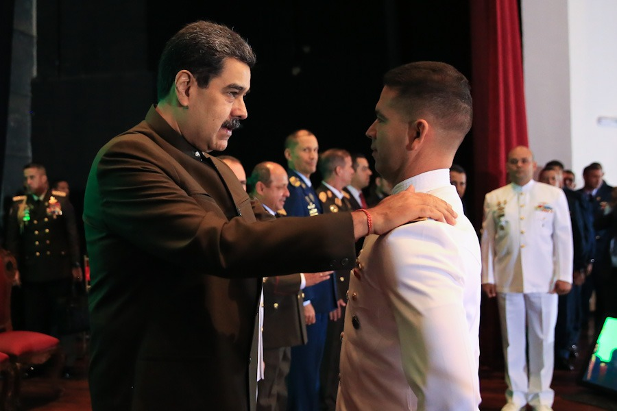 Presidente Maduro ascendió a 179 profesionales militares