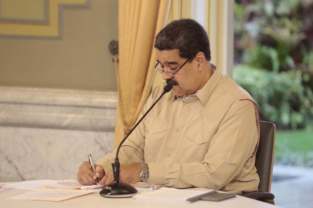 Jefe de Estado firma decreto que certifica a Venezuela con ganado libre de aftosa