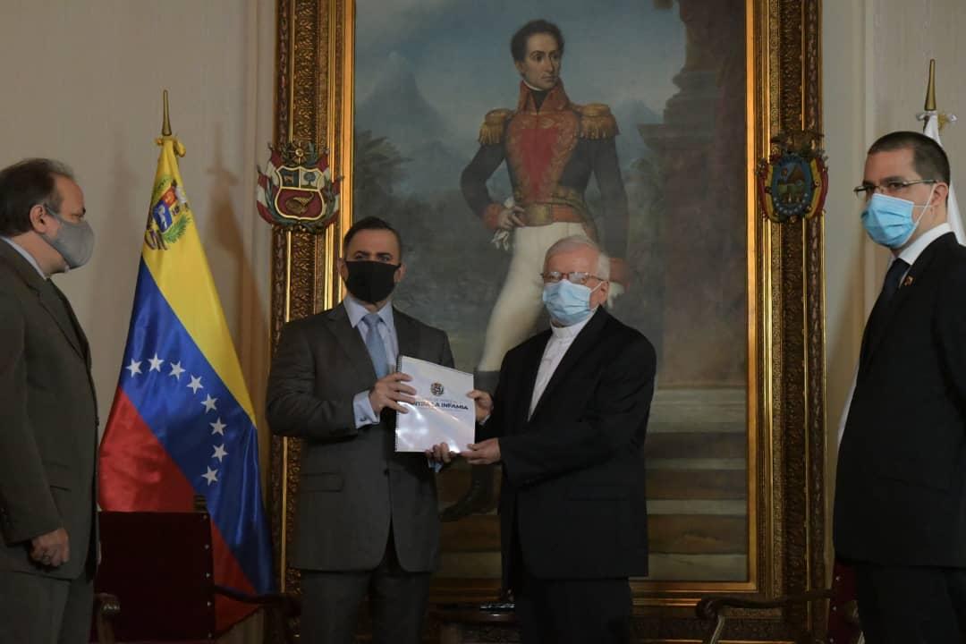 Entregan informe Verdad de Venezuela al Nuncio Apostólico