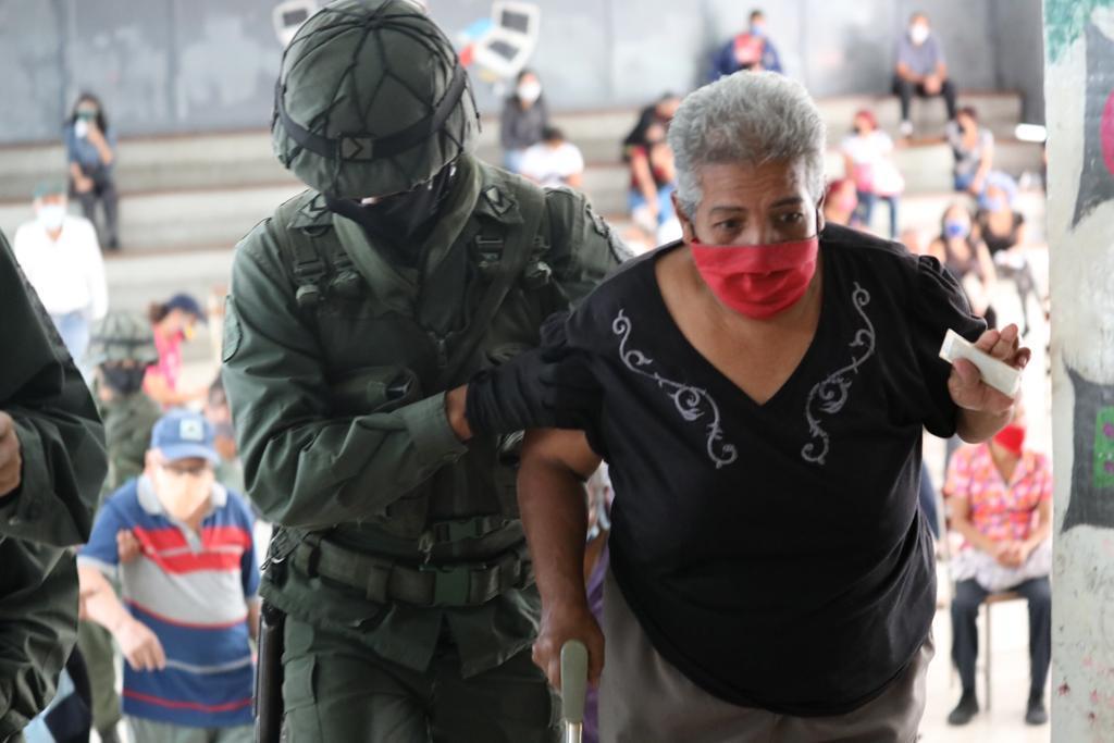 Presidente Maduro felicitó a FANB y CNE por simulacro electoral