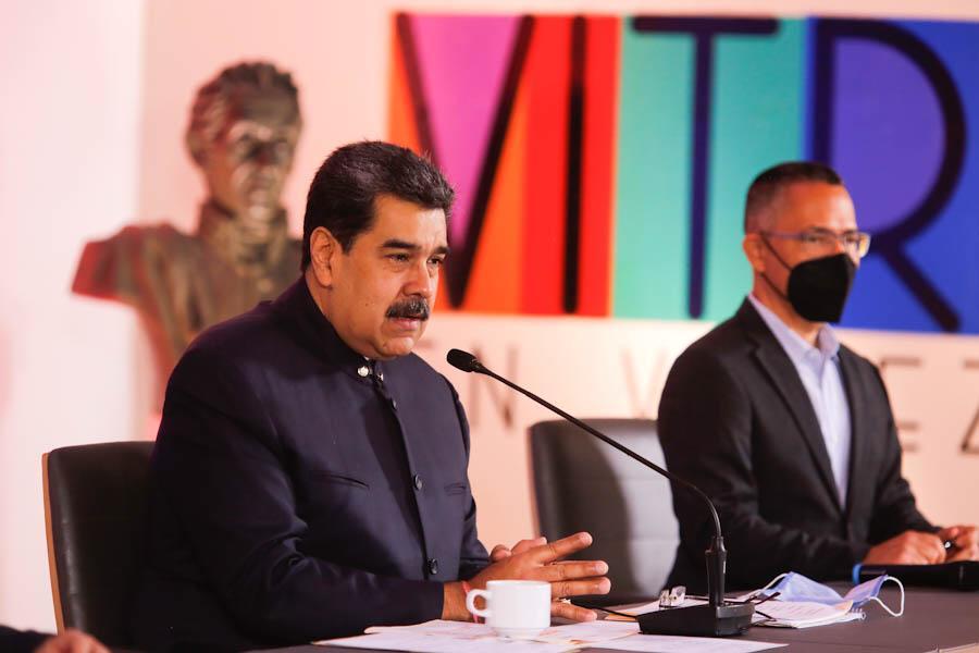 Presidente Maduro solicitó a la AN estudiar colocación de novena estrella a la Bandera Nacional