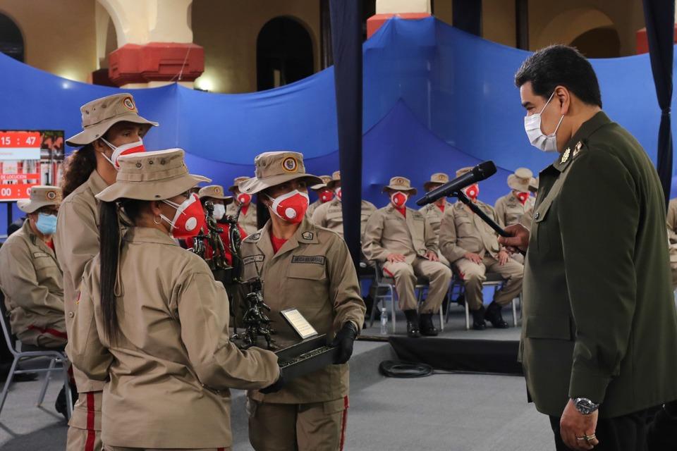 Jefe de Estado ascendió y condecoró a más de 36 mil milicianos y milicianas